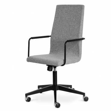 Bizz Karmstol med hög rygg och hjul