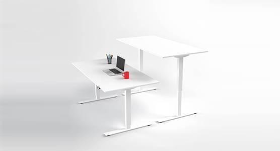 Skrivbord med rak bordsskiva